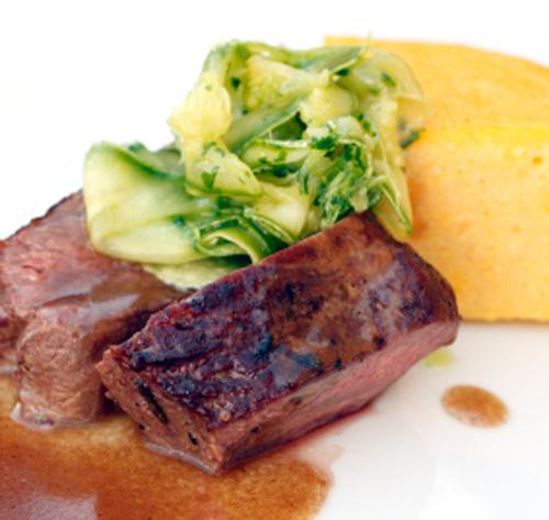 https://dynaform.ch/recettes/selle-de-chevreuil-polenta-soupe-de-courge